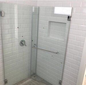 מקלחון זכוכית - מקלחות