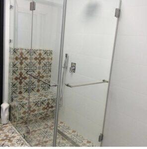מקלחון זכוכית פתרונות מתקדמים
