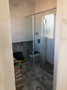 מקלחון - עבודות זכוכית